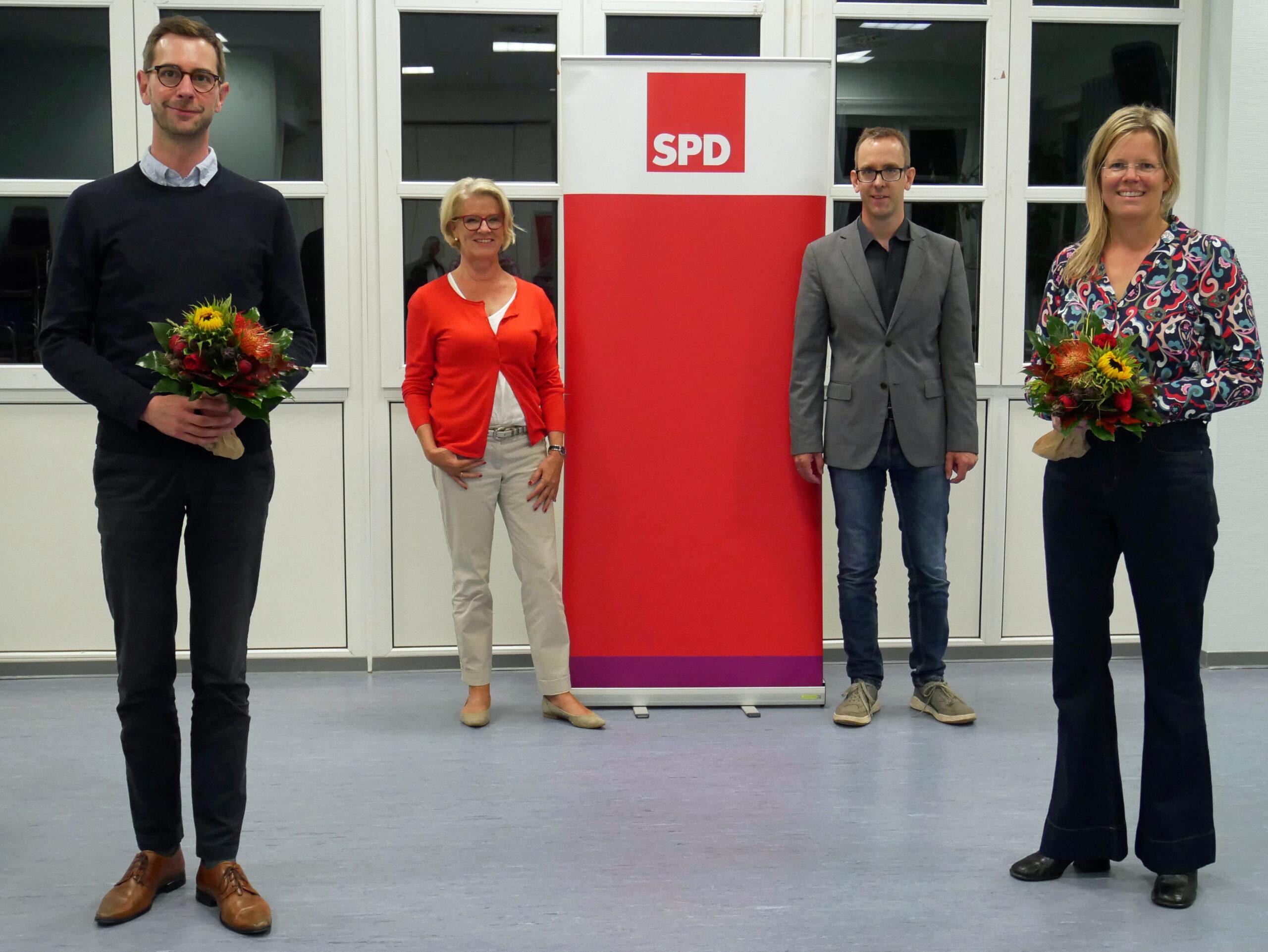 Die nominierten Julia und Jens mit Astrid und Jörg